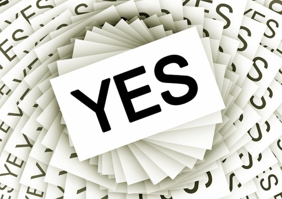 signages that say yes