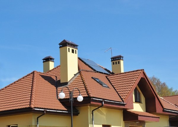 combination roof with three chimneys