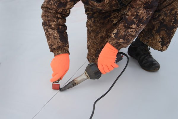 roof sealing process of a TPO material